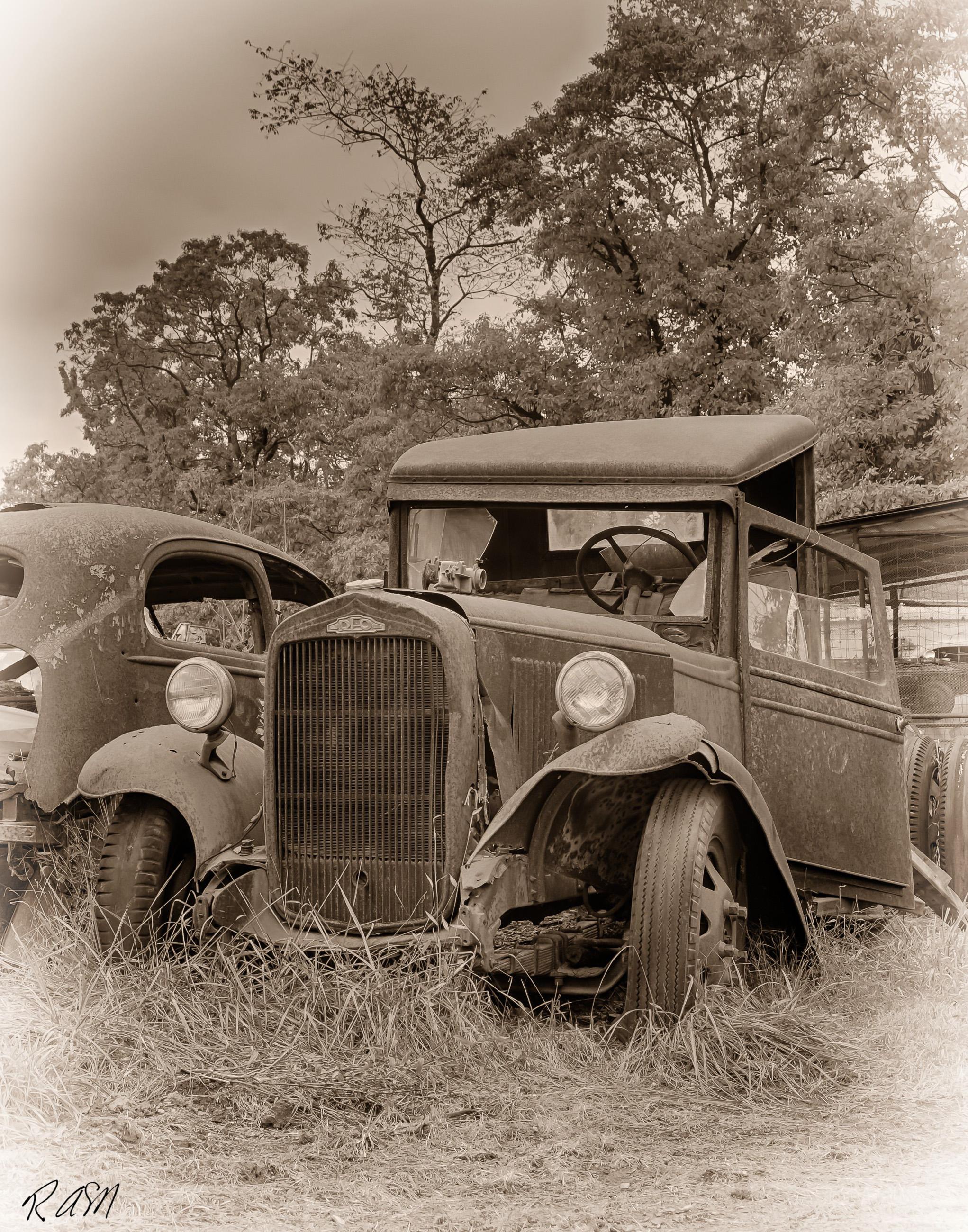 Abandoned-Cars-4